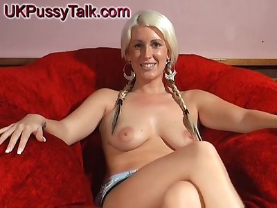 Blonde girl Krystal Niles tries out new toys on her wet cunt