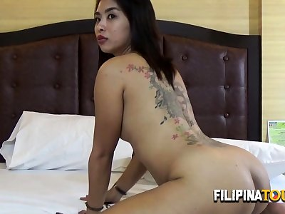 Sexy hoe with tattooed back gets nailed in all fours