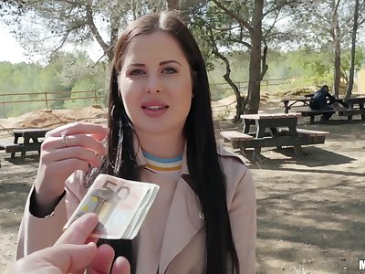 Euro babe Cassie Right sells her pussy & rides a dick in the park