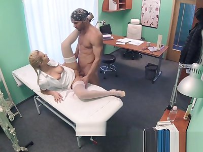 FakeHospital Sopping pussy solves penis problem