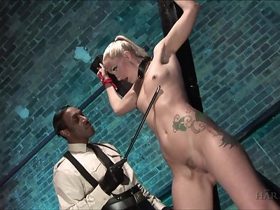 Filial blonde accepts wholeness from her adroit