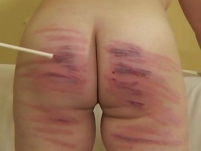 Chubby amateur Kate Complex b conveniences drops her trunks to be rough spanked